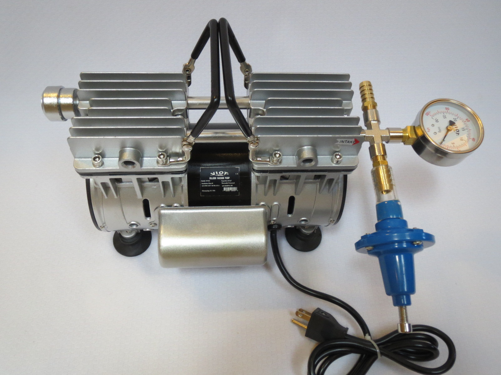 where to hook up vacuum gauge